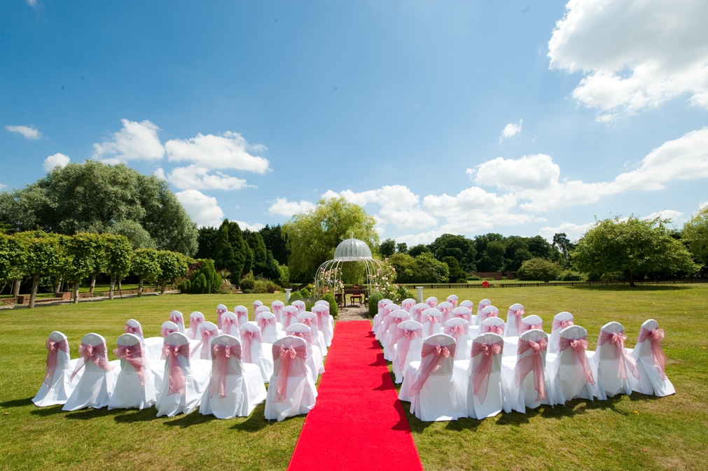 Outdoor wedding venue Parklands Essex